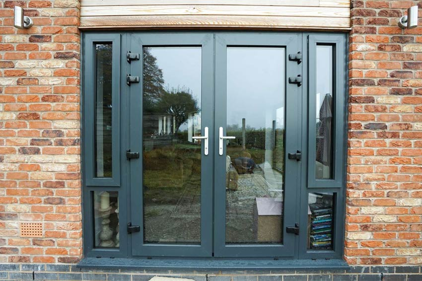 Aluminium doors aluminium door sc 1 st india business for Aluminum french doors