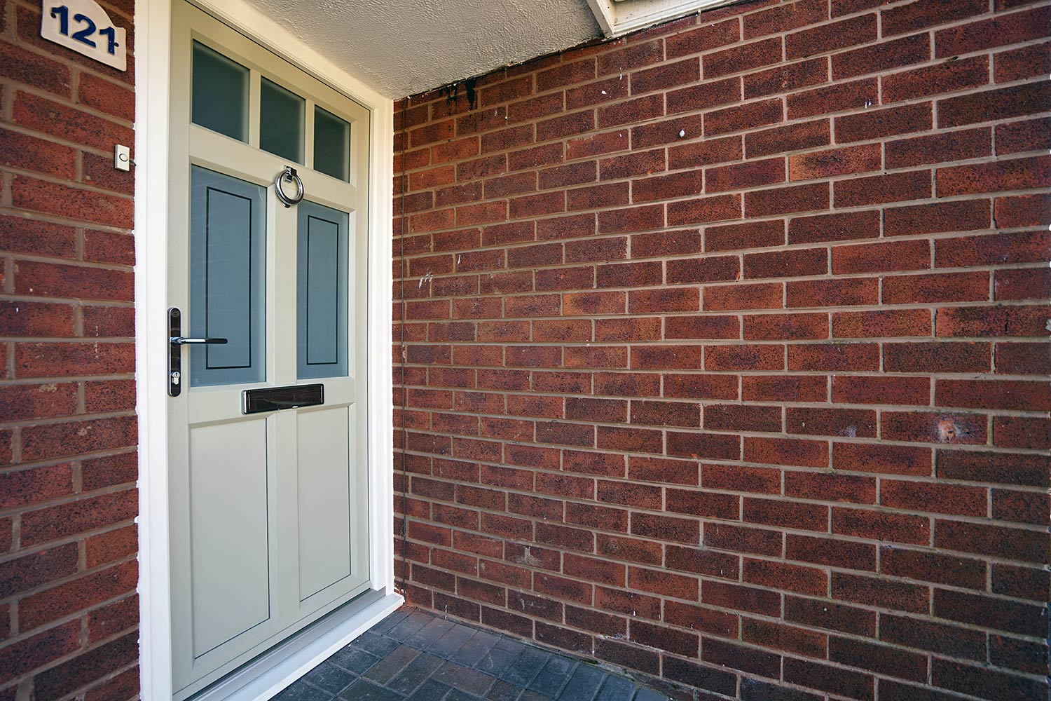 Timber alternative entrance door from the English Door Company range. Door was supplied in a bespoke colour with feature glazing and chrome furniture. & Timber alternative doors | English Door Company