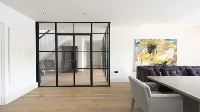 Alternative picture of the dining room Crittall doors.
