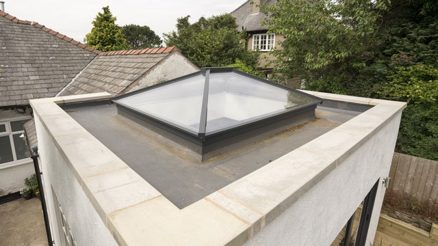 View of the aluminium roof lantern finished in Anthracite Grey.