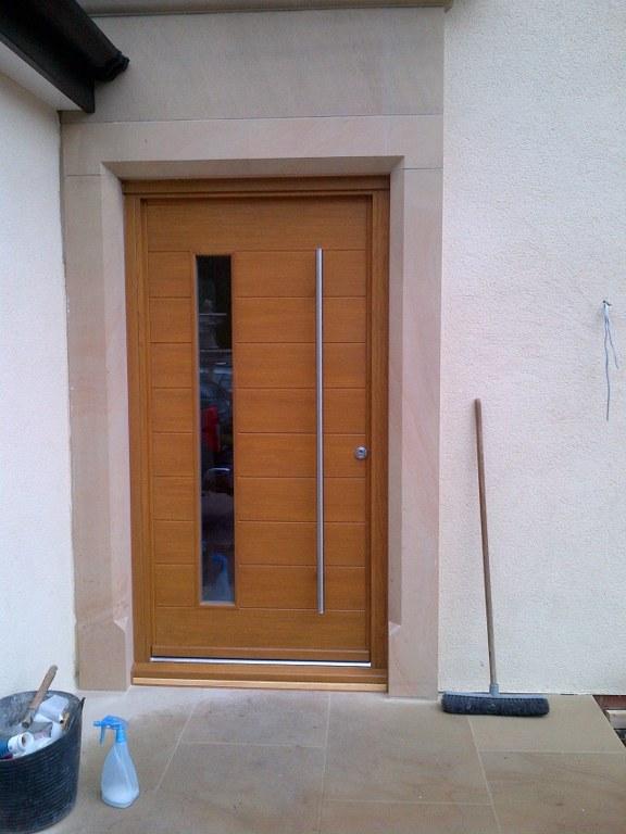 Oak Timber Hamburg Funky door in a light oak stain. 1800 stainless steel pull handle working a self locking 4 point hook lock. & Page 15 - Showcase Photo Gallery | John Knight Glass