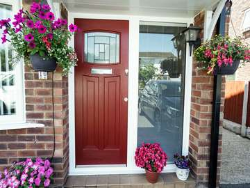 Rockdoor Newark door in Red with side light fitted with integral blind.