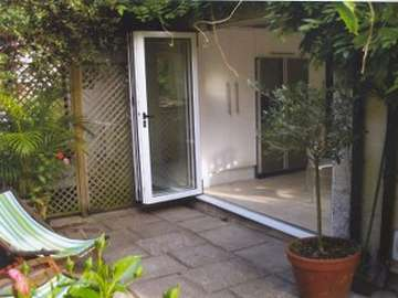 TARVIN CHESHIRE : Installation SFD Bi Fold doors. Std White double glazed with self clean units.
