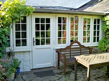 Mr G. - Mere Cheshire : Replacement Kitchen Combination with Evolution Storm windows and doors. Period handles. Astracal Bar to match original porch